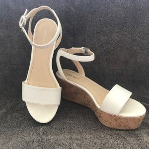 Platform wedge Nine West